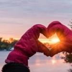 loveheart hands